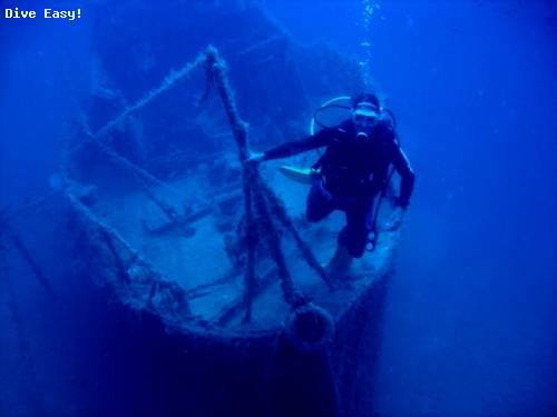 agni_wreck_overview_plus_diver.jpg