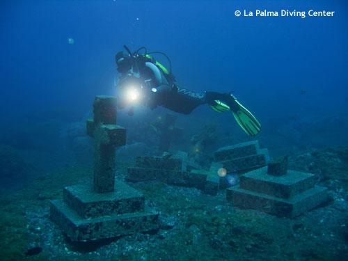 diving_across_malpique_crosses.jpg