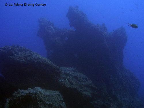 underwater_rocks.jpg